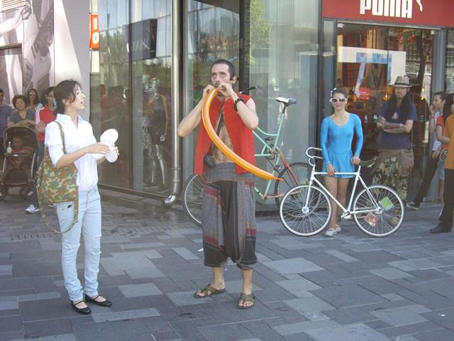 street ballons show